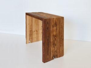 Tisch aus alten Balken