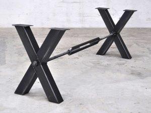 Eisentischgestell doppel-X-Form