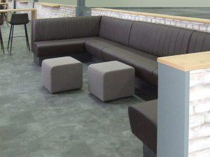 gemütliche Sitzecke im Werksbistro