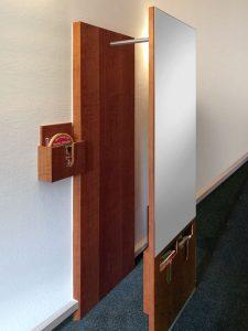 Garderobe Kirschbaum mit Spiegel und integriertem Prospektfach