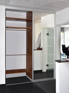 Einbaugarderobe-Spiegeltür rechts