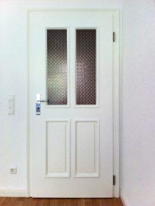 Tür weiss mit Glas
