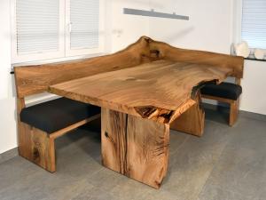 Tisch mit Eckbank-Eiche